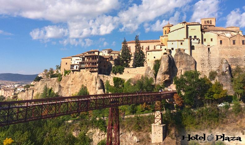 Puente de San Pablo - Hotel Plaza - Cuenca