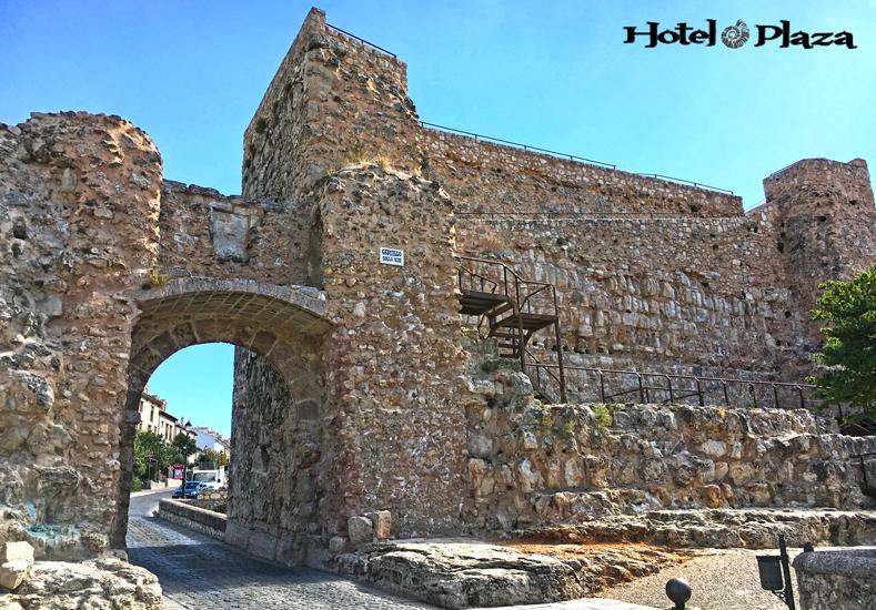 Castillo-Cuenca-Hotel-Plaza